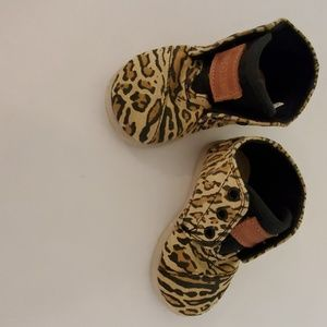 Baby Tom's shoes for girls